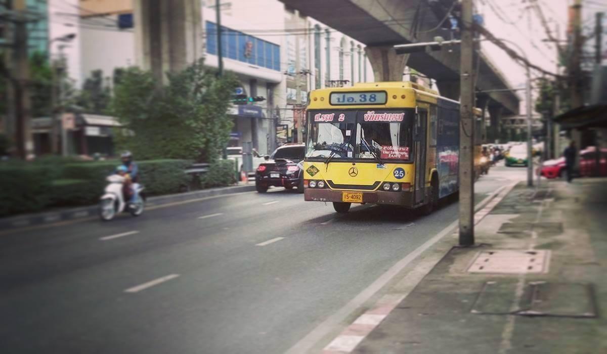 taksówki tuk tuk skuter przejazd transport bangkok