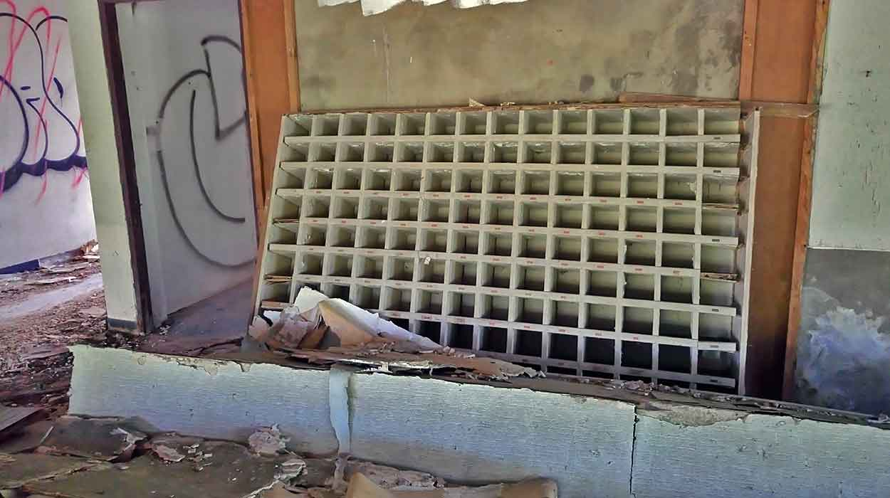 phuket opuszczony hotel puket hostel tajlandia porady