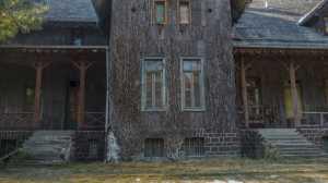 Opuszczony pałac myśliwski Moja Wola